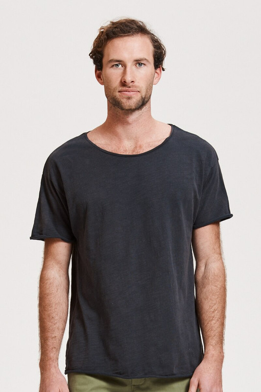 Mister Relaxed Tee in Distressed Blue