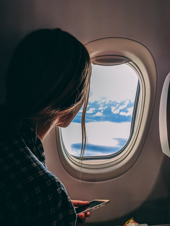 How to Overcome the Effects of Air Travel On Your Skin