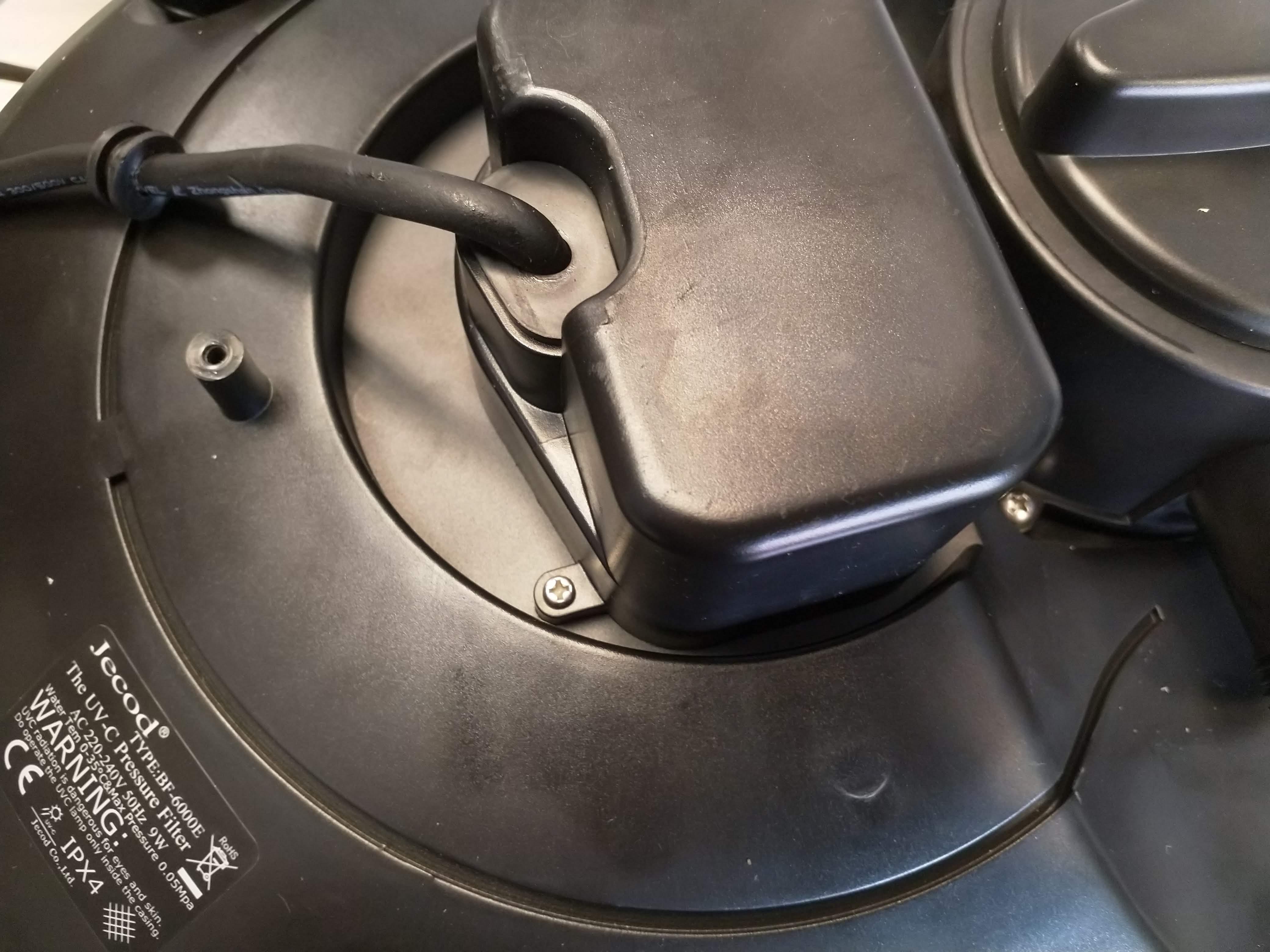 Pondkraft Pressurised Filter - Replacing the Bulb Step 2