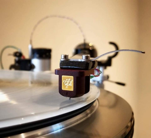 VPI Prime Turntable (Black) with JMW-10-3D-Reference Wire Tonearm, Periphery Ring, & VPI Cartridge