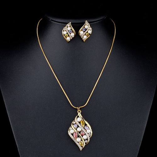 Amazing! 18K Real Gold Plated SWA ELEMENTS Austrian Crystal Stud Earrings and Pendant Necklace