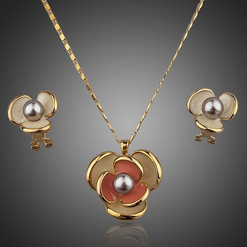 Classic 18K Real Gold Plated Flower Design Clip Earring and Pendant Necklace Set