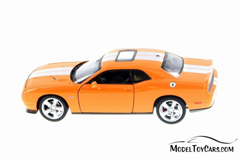 Dodge Challenger 2013 SRT Coupe 1:24 Scale Diecast Model Car 24049 Blue by Welly