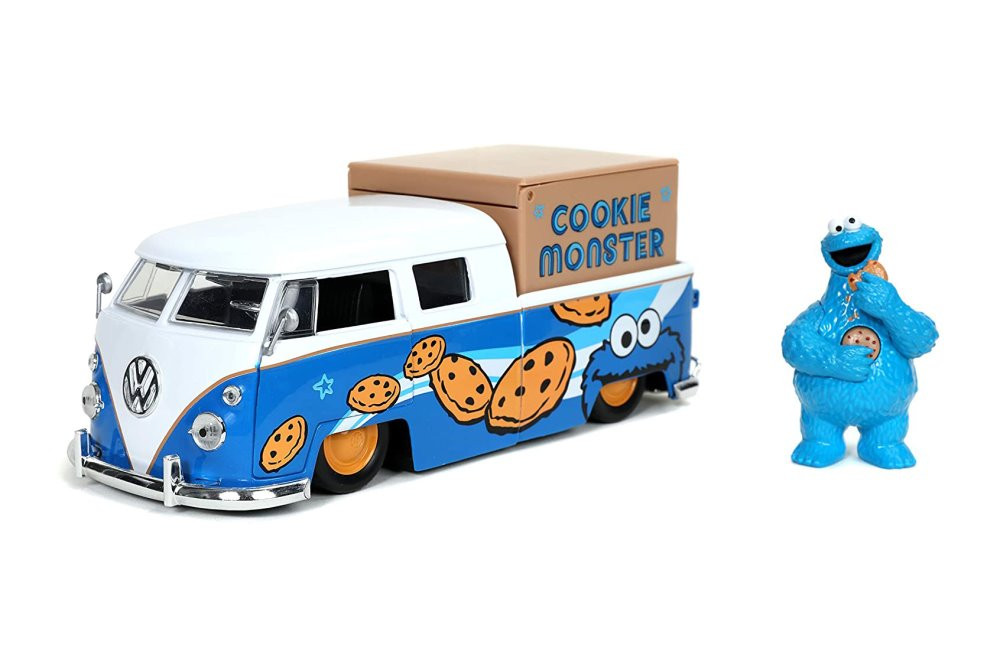 1962 Volkswagen Pick up Bus with Cookie Monster figure with Sound, Sesame Street - Jada Toys 31751/4 - 1/24 scale Diecast Model Toy Car