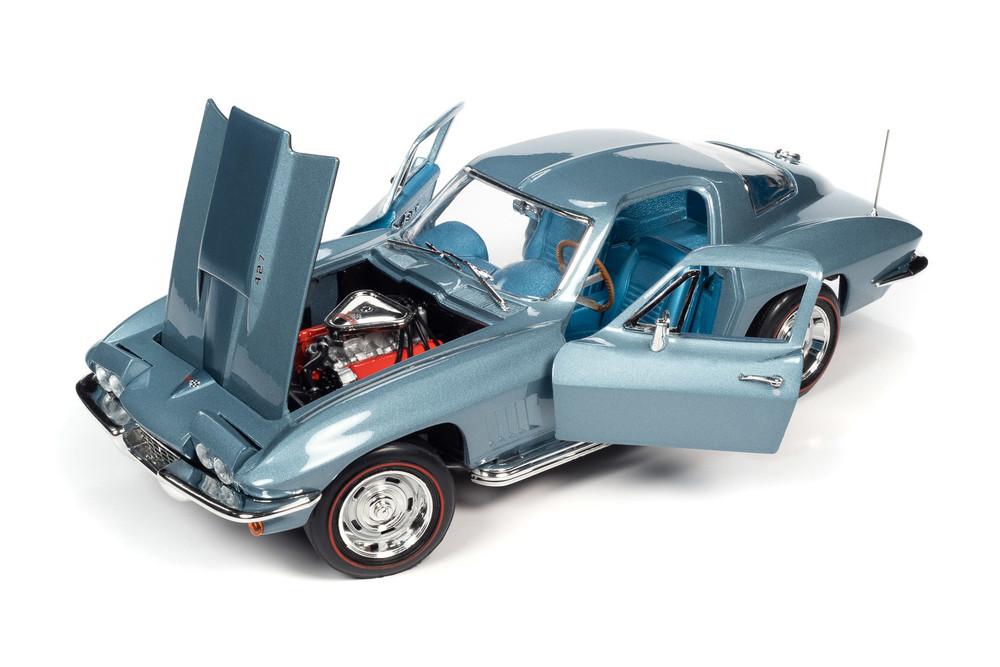 Muscle Car & Corvette Nationals (MCACN) 1967 Chevy Corvette 427, Elkhart Blue - Auto World AMM1241 - 1/18 scale Diecast Model Toy Car