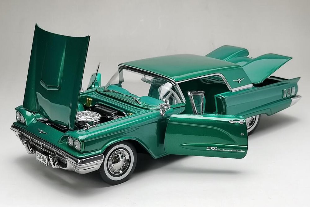 1960 Ford Thunderbird, Briarcliffe Green - Sun Star 4309 - 1/18 scale Diecast Model Toy Car