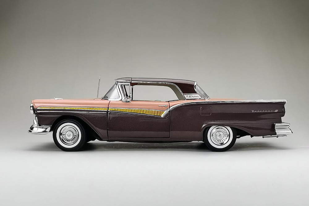 1957 Ford Fairlane 500 Skyliner, Silver Mocha Brown with Coral Sand - Sun Star 1345 - 1/18 scale Diecast Model Toy Car
