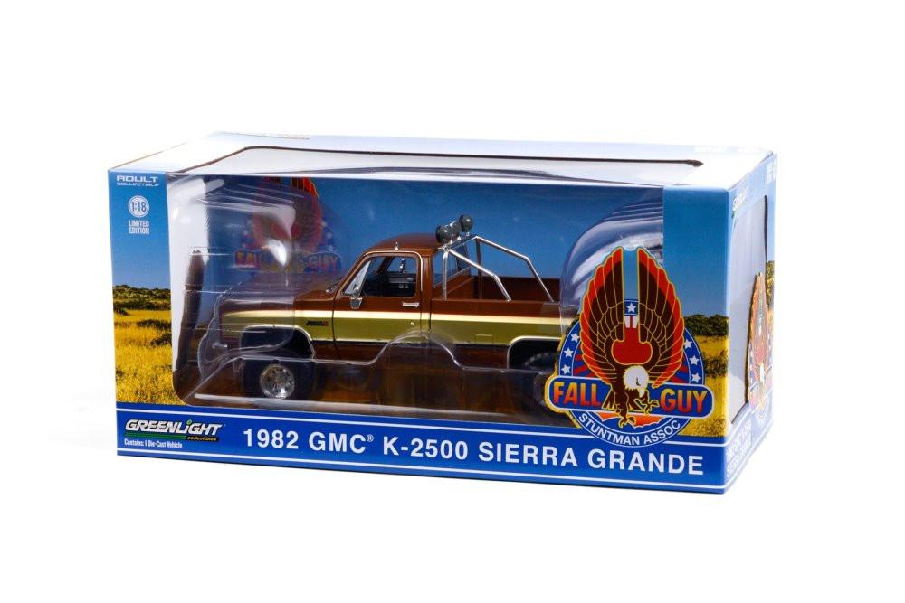 Fall Guy Stuntman Association 1982 GMC K-2500 Sierra Grande Wideside Pickup Truck, Brown and Gold - Greenlight 13560 - 1/18 scale Diecast Model Toy Car