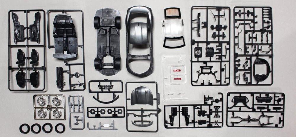 AMT 2017 Chevy Camaro, 1/25 scale Plastic Model Car Kit - AMT1035M