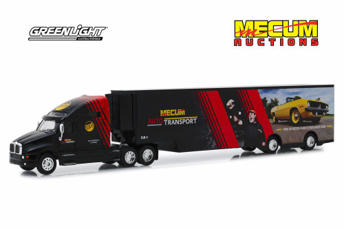 Kenworth T2000 Mecum Auctions Mecum Auto Transport Transporter, Red and Black - Greenlight 30106/24 - 1/64 scale Diecast Model Toy Car