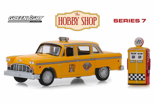 1978 Checker Motors Marathon A11 Taxi with Vintage Gas Pump, Yellow - Greenlight 97070E/48 - 1/64 scale Diecast Model Toy Car