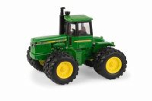 John Deere 8450 Tractor, Green - TOMY 45586 - 1/32 scale Diecast Model Toy Car