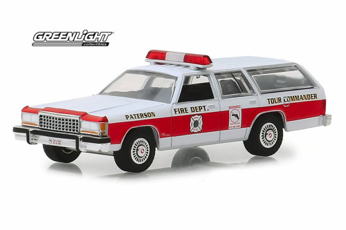 1985 Ford LTD Crown Victoria Wagon, Paterson, New Jersey Fire Department - Greenlight 30024/48 - 1/64 Scale Diecast Model Toy Car