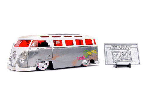 1962 Volkswagen Bus with Diecast Mosaic Tile, 20th Anniversary - Jada 31075 - 1/24 scale Diecast Model Toy Car