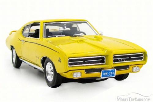 1969 Pontiac GTO Judge, Yellow - Motor Max 73133AC - 1/18 Scale Diecast Model Toy Car