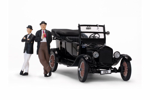 1925 Ford Model T Touring (Open) with Laurel and Hardy Figures, Black - Sun Star 1905BK - 1/24 scale Diecast Model Toy Car