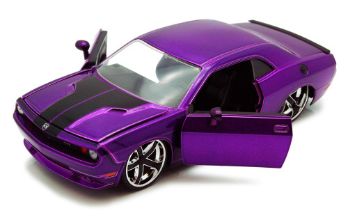 Dodge Challenger, Purple - Jada Toys Bigtime Muscle 92034 - 1/24 scale Diecast Model Toy Car (Brand New, but NOT IN BOX)