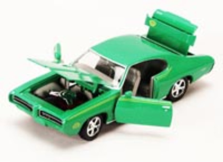 1969 Pontiac GTO Judge, Green - Showcasts 73242 - 1/24 scale Diecast Model Toy Car (Brand New, but NOT IN BOX)