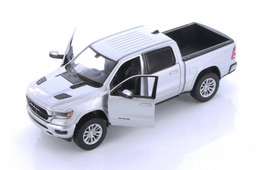 2019 Dodge Ram 1500 Crew Cab Laramie Pickup Truck, Silver - Showcasts 79357SV - 1/24 scale Diecast Model Toy Car