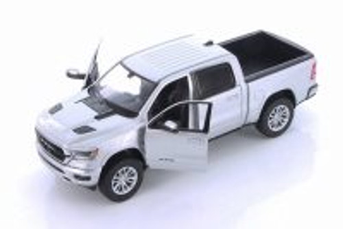 2019 Dodge Ram 1500 Crew Cab Laramie Pickup Truck, Silver - Showcasts 79357SV - 1/24 scale Diecast Model Toy Car