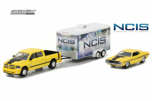 2016 Dodge Ram 2500 Enclosed Hauler w/ 1970 Challenger R/T, NCIS - Greenlight 31040 - 1/64 Scale Diecast