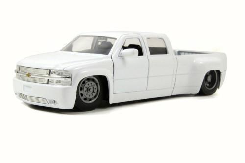 1999 Chevy Silverado Dooley Pickup, White - Jada 90145YJ - 1/24 Scale Diecast Model Toy Car