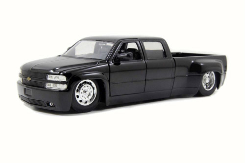 1999 Chevy Silverado Dooley Pickup, Black - Jada 90145YJ - 1/24 Scale Diecast Model Toy Car