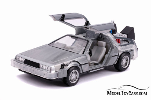 DeLorean Time Machine with lights - Flying Version, Back to the Future Part II - Jada 31468 - 1/24 Scale Diecast Model Toy Car
