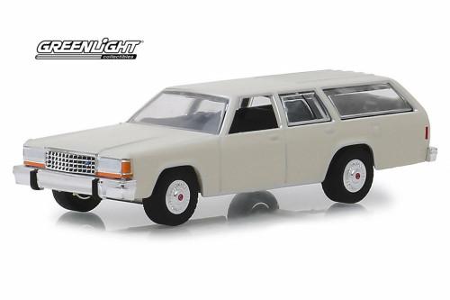 1984 Ford LTD Crown Victoria Wagon, Pastel Desert Tan - Greenlight 29950/48 - 1/64 Scale Diecast Model Toy Car