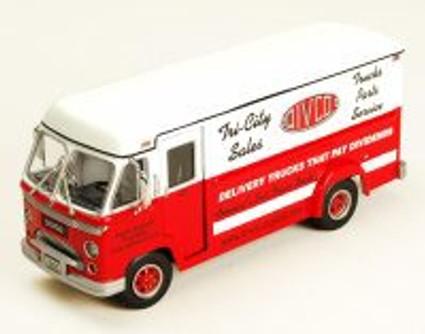 1961 Divco Dividend Step Van Model 70 - Trucks Parts Service, White - Phoenix 18530 - 1/34 Scale Diecast Model Toy Car