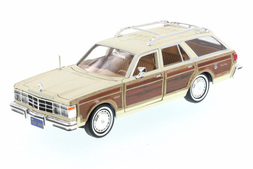 1979 Chrysler LeBaron Town & Country Wagon, Cream White - Motor Max 73331/16D - 1/24 Scale Diecast Model Toy Car