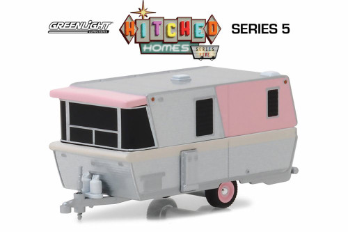 1959 Holiday House Travel Trailer, Pink - Greenlight 34050C/48 - 1/64 Scale Diecast Model Toy Car