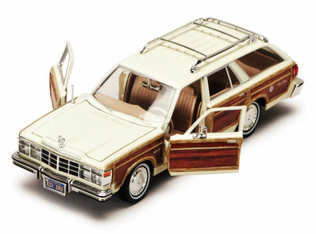 1979 Chrysler LeBaron Town & Country Wagon, Brown And Cream 2-Tone - Motormax Premium American 73331 - 1/24 Scale Diecast Model Car
