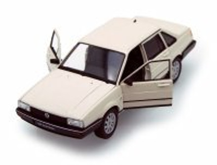 Volkswagen Santana, Ivory - Welly 24036 - 1/24 scale Diecast Model Toy Car (Brand New, but NOT IN BOX)