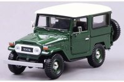 Toyota FJ40 Jeep, Green - Motor Max 79323PTM - 1/24 Scale Diecast Model Toy Car