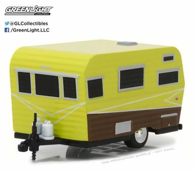 1958 Siesta Travel Trailer, Yellow w/ Brown - Greenlight 34030A - 1/64 Scale Diecast Model Toy Car