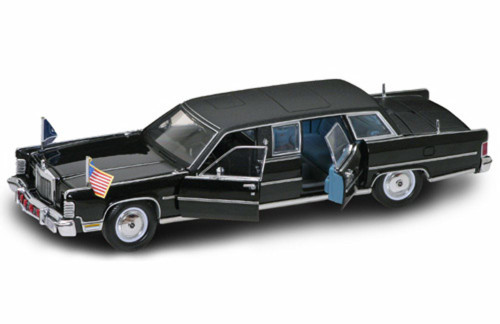 1972 Lincoln Continental Reagan Car w/ flags, Black - Road Signature 24068 - 1/24 Scale Diecast Model Toy Car