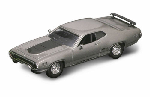 1971 Plymouth GTX, Silver - Road Signature 94218 - 1/43 Scale Diecast Model Toy Car