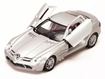 Mercedes Benz SLR McLaren, Silver - Motormax 73306 - 1/24 scale Diecast Model Toy Car