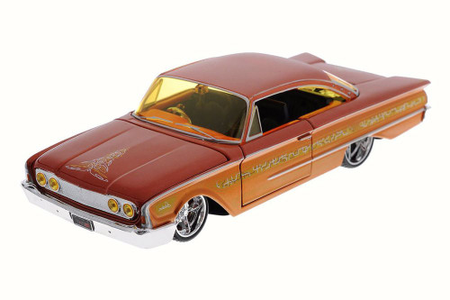 1960 Ford Starliner, Orange - Maisto 31038 - 1/26 Scale Diecast Model Toy Car