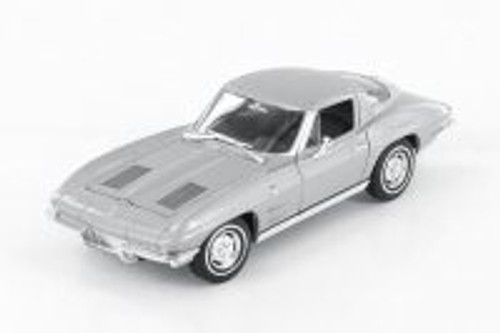 1963 Chevy Corvette Hardtop, Silver - Welly 24073WSV - 1/24 scale Diecast Model Toy Car