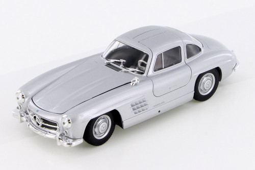 Mercedes-Benz 300SL, Classic Silver - Welly 24064/4D - 1/24 Scale Diecast Model Toy Car