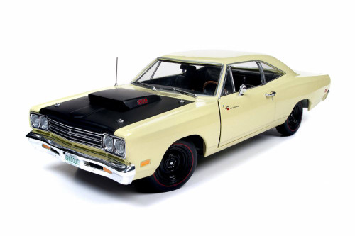 1969.5 Plymouth Road Runner Hard Top, Sunfire Yellow - Auto World AMM1180 - 1/18 scale Diecast Model Toy Car