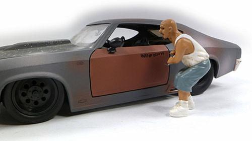 Auto Theft II Figure, White/ Blue - American Diorama Figurine 23817 - 1/24 scale