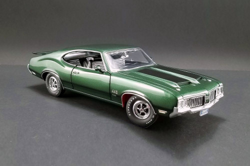 1970 Oldsmobile 442 W-30 Hardtop, Sherwood Green - Acme 1805612 - 1/18 Scale Diecast Model Toy Car
