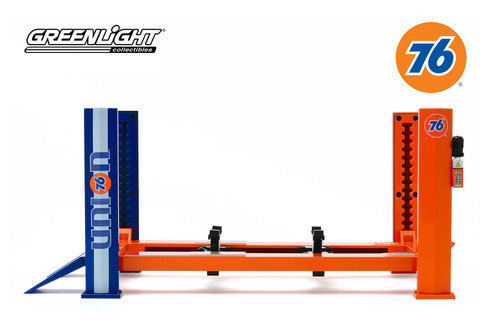 Adjustable Four-Post Lift, Union 76 - Greenlight 13579 - 1/18 scale Diecast Accessory