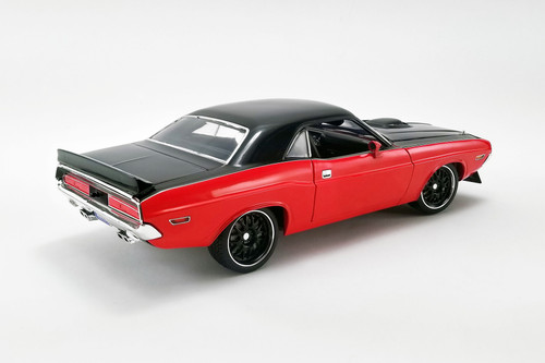 1970 Dodge Challenger R/T Street Fighter Hardtop, Red and Black - Acme A1806014 - 1/18 scale Diecast Model Toy Car