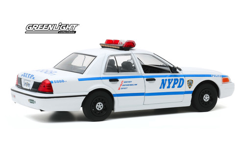 New York City Police Department (NYPD) 2011 Ford Crown Victoria Police Interceptor, White and Blue - Greenlight 85513 - 1/24 scale Diecast Model Toy Car