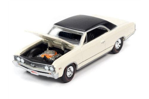 1967 Chevy Chevelle SS Hardtop, Capri Cream/Ivory /Black - Auto World AWSP051/24B - 1/64 scale Diecast Model Toy Car