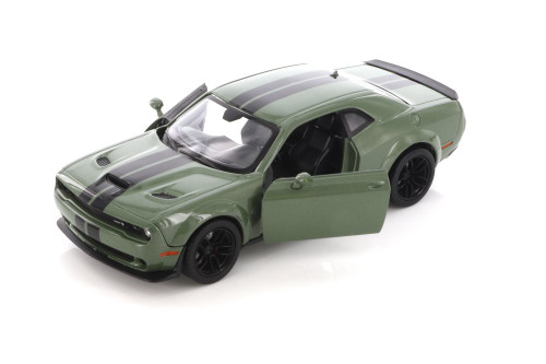 2018 Dodge Challenger SRT Hellcat Widebody, Green - Motor Max 74350D - 1/24 scale Diecast Model Toy Car